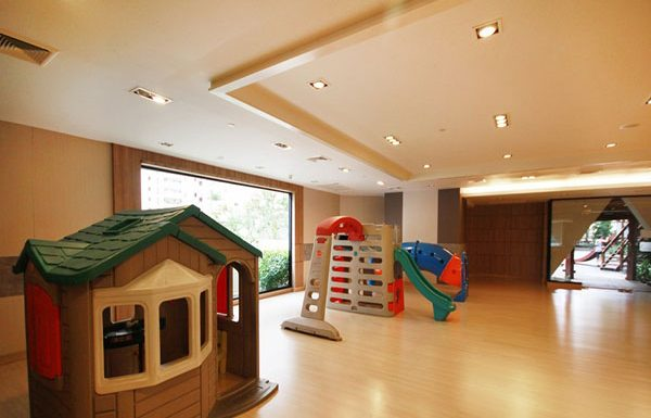 Sathorn-Garden-Bangkok-condo-for-sale-Children-Room