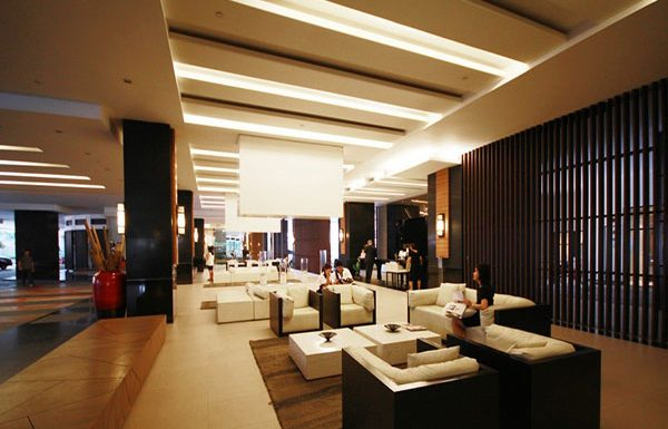 Sathorn-Garden-Bangkok-condo-for-sale-Lobby-2