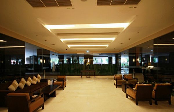 Sathorn-Garden-Bangkok-condo-for-sale-Lobby-3